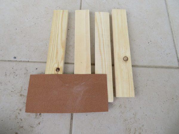 1時間で作れる竹馬の材料 足板と紙やすり