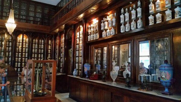 薬局の棚卸 調剤室の整理整頓