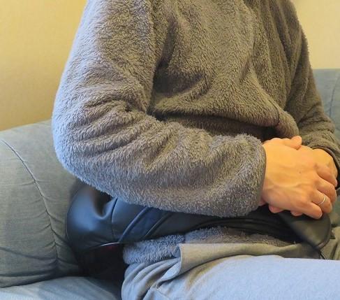 NAIPO3Dネック&ショルダーマッサージャーを腰に使用した様子