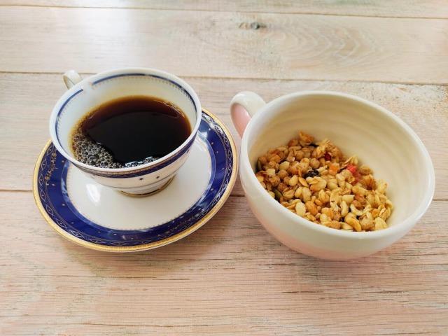 コーヒーとフルグラ